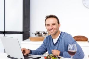Leser eines Wein Blog